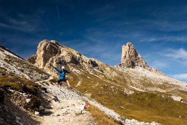 Hop a skok, Trail running v Italských Dolomitech. Autor: Lukáš Budínský (foto.lukasx.cz), Fotoaparát: DSC-RX100, Objektiv: 28-100mm F1.8-4.9