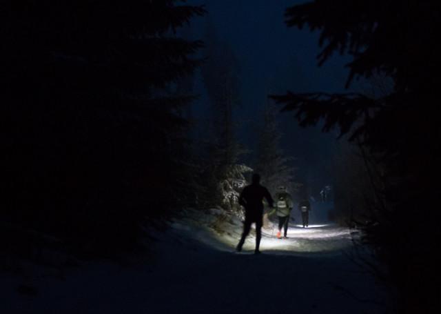 Lysá 24 hodin - seběh s čelovkami. Autor: Lukáš Budínský (foto.lukasx.cz), Fotoaparát: Canon EOS 70D, Objektiv: 18-35mm