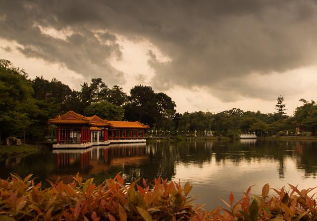 Čínský pavilon v zahradě v singapuru Autor: Lukáš Budínský (foto.lukasx.cz), Fotoaparát: Canon EOS 500D, Objektiv: 17-50mm