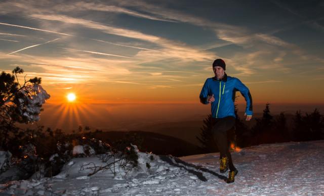 Trail running / běh na Radhošťi - běžec v západu slunce. Autor: Lukáš Budínský (foto.lukasx.cz), Fotoaparát: Canon EOS 70D, Objektiv: 18-35mm