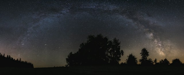 Fotografie mléčné dráhy celý obzor. Lukáš Budínský