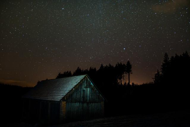 Mléčná dráha a hvězdy v zimě