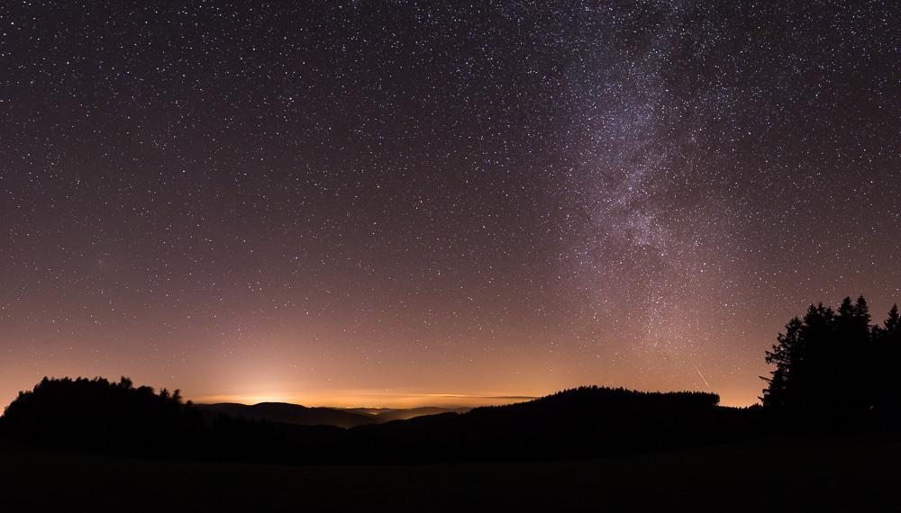Zatmění Měsíce a mléčná dráha 2015, Lukáš Budínský